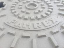 plaque d'égout blanche, tampon revêtement couleur blanc